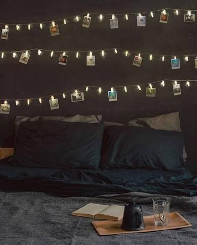 Transparentná LED svetelná reťaz v tvare kolíčkov DecoKing Pin, 40 svetielok, dĺžka 6,35 m