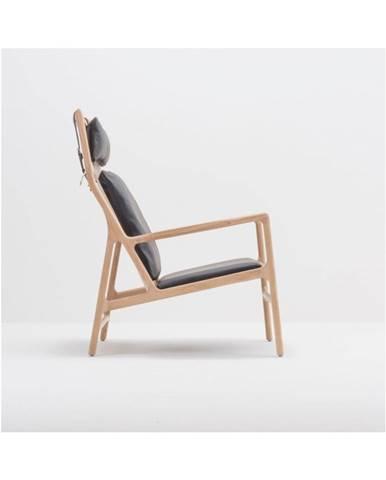 Kreslo s konštrukciou z masívneho dubového dreva a čiernym koženým sedadlom Gazzda Dedo