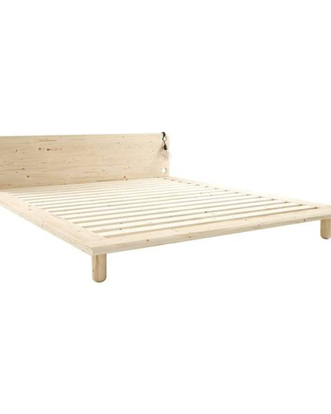 Karup Design Dvojlôžková posteľ z masívneho dreva s lampami Karup Design Peek, 180 x200cm